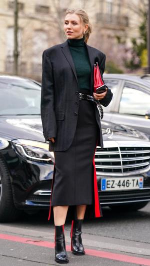 Фото №9 - На любой случай: с чем носить юбку-карандаш