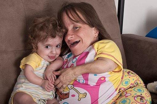 Самая маленькая мама в мире снова беременна