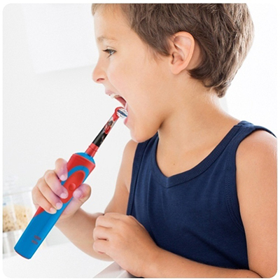Фото №1 - Oral-B Stages Power «Звездные войны» –   оружие против кариеса для маленьких джедаев
