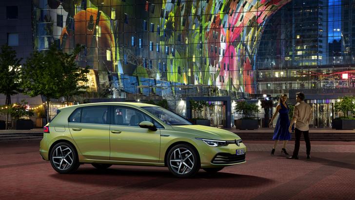 Фото №2 - Удар под дых: новый Volkswagen Golf обозначил российские цены