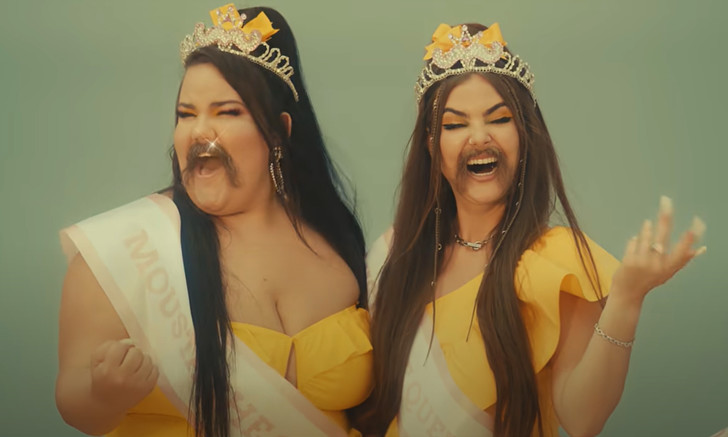 Фото №1 - У Little Big вышел новый клип Moustache (усатое видео)