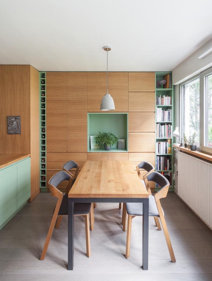 Фото №2 - Маленькая студия 30 м² со встроенной мебелью в Париже