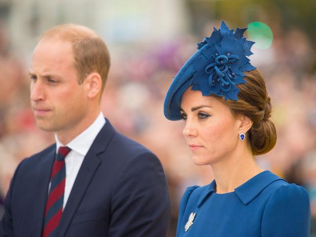 Фото №1 - Какие правила Кейт обязана соблюдать в королевских турах (а Уильям— нет)