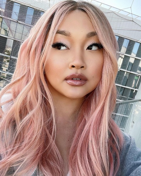 Фото №1 - Совсем не Лара Джин: Лана Кондор сменила цвет волос— и ей очень идет! 😍