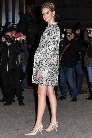 Фото №6 - Беременная Кьяра Ферраньи в секси-образах: 5 луков на Неделе моды