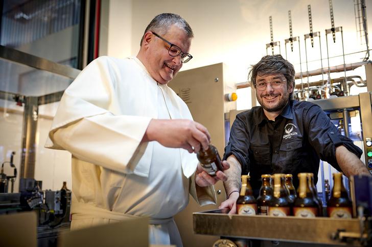 Фото №2 - Настоящий Орден феникса: чем примечательна бельгийская пивоварня Grimbergen