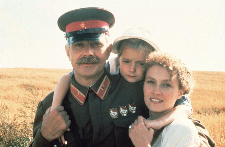 Фото №8 - Популярные актрисы 1990-х: в каких фильмах прогремели, за что полюбились и как расплатились за славу