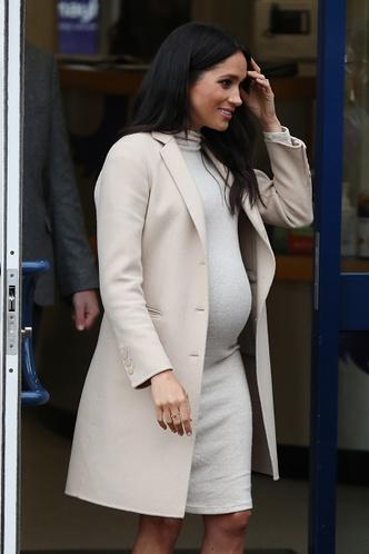 Фото №10 - Стиль беременной Маркл: пальто из секонд-хенда