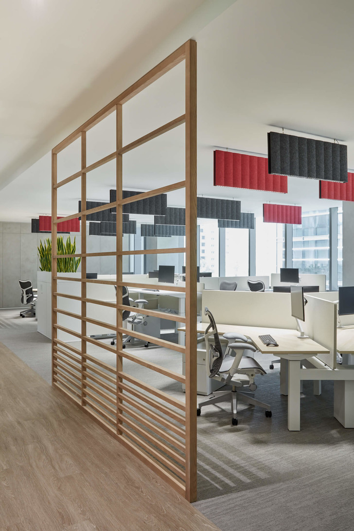Фото №2 - Офис фармацевтической компании в Дубае