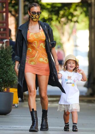 Фото №8 - Самый модный ребенок Нью-Йорка: как одевается дочь Ирины Шейк и Брэдли Купера
