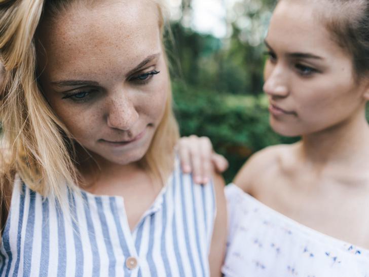 Фото №1 - Токсичная дружба, или Парадоксы женских отношений