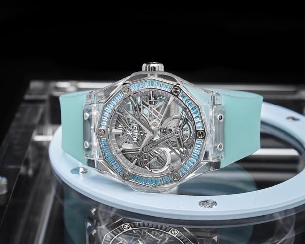 Фото №1 - Все прозрачно:Hublot иРичард Орлински представили часы для благотворительного аукциона