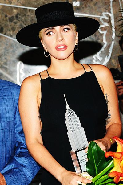 Фото №1 - Леди Гага призналась, что не может жить без антидепрессантов