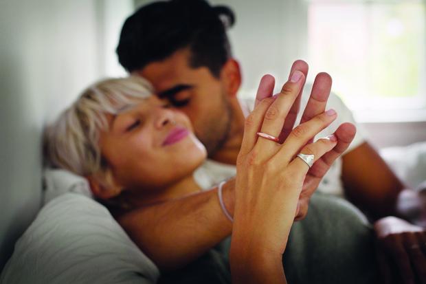 Каких женщин берут в жены мужчины, качества женщины которые ценят мужчины в отношениях