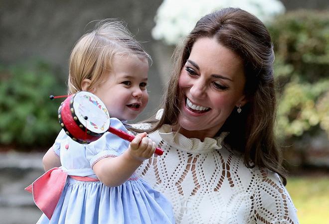 Фото №1 - Принцесса Шарлотта произнесла первое слово на публике
