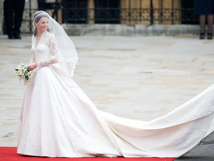 Фото №3 - 10 любопытных фактов о свадебном платье герцогини Кейт