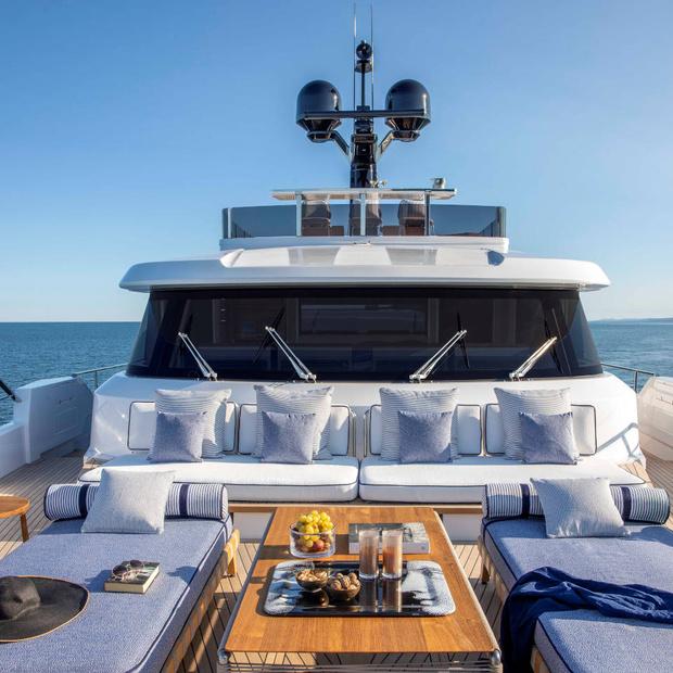 Фото №8 - Яхта с интерьерами студии Антонио Читтерио