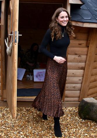 Фото №5 - 10 лучших образов герцогини Кейт в 2020 году