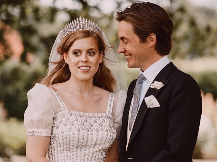 Фото №1 - 8 любопытных фактов о свадьбе принцессы Беатрис, которые вы не знали