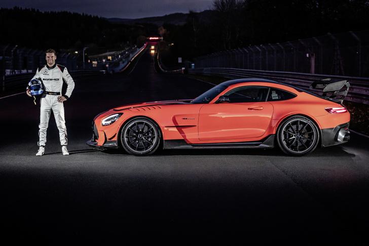 Фото №2 - «Мерседес» вернул звание самого быстрого в мире