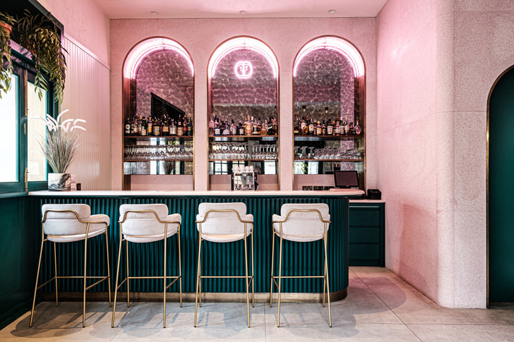 Фото №2 - Розовый ресторан Barbajean на Мальте