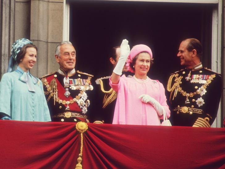 Фото №1 - Маунтбеттен-Виндзоры: откуда у королевских особ эта фамилия (и кто из них ею пользуется)
