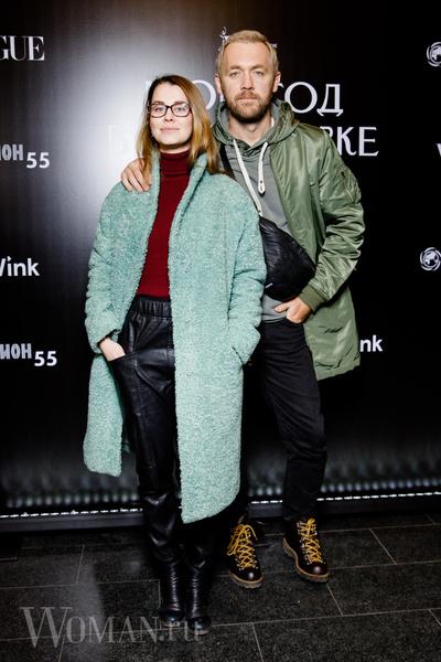 Фото №2 - Максимова с розой, Студилина в мини: звезды отметили 55-летие кинотеатра «Иллюзион»