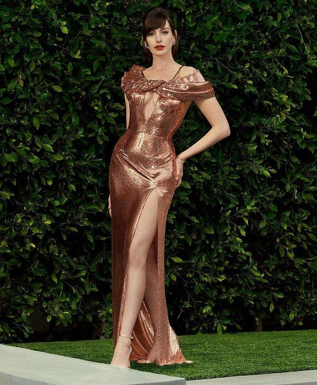 Драгоценные наряды: 3 великолепных платья Энн Хэтэуэй