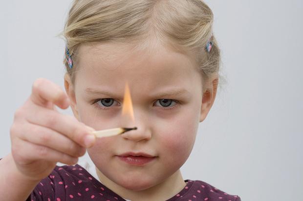 Фото №1 - Спички детям не игрушки!