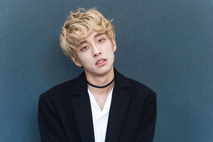 Фото №8 - 20 k-pop айдолов-парней, которым безумно идут кудрявые волосы 😍