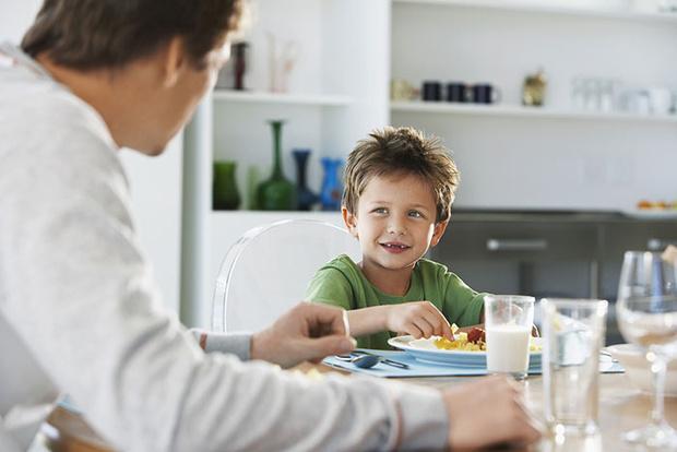 Фото №3 - Дело не в еде: 4 истории детей, которых трудно накормить