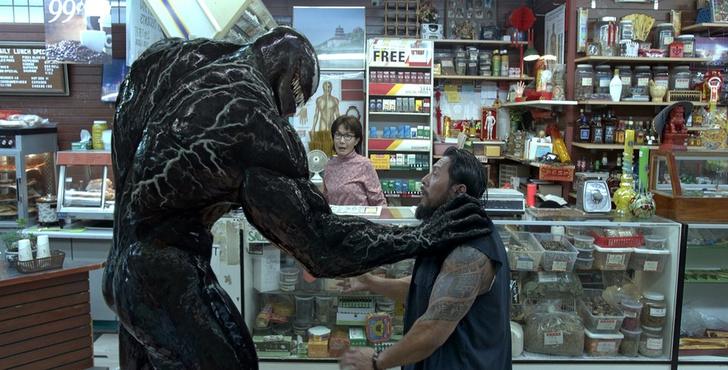 Фото №3 - Коламбия Пикчерз не представляет: что за жесть в фильме «Веном 2»? 🤯