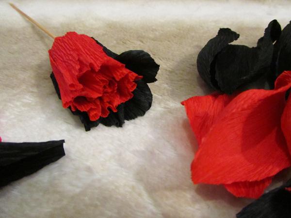 Фото №11 - Сделай сам: брошь-роза как у Сальмы Хайек