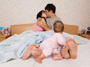 Фото №2 - Личная жизнь новоиспеченных родителей
