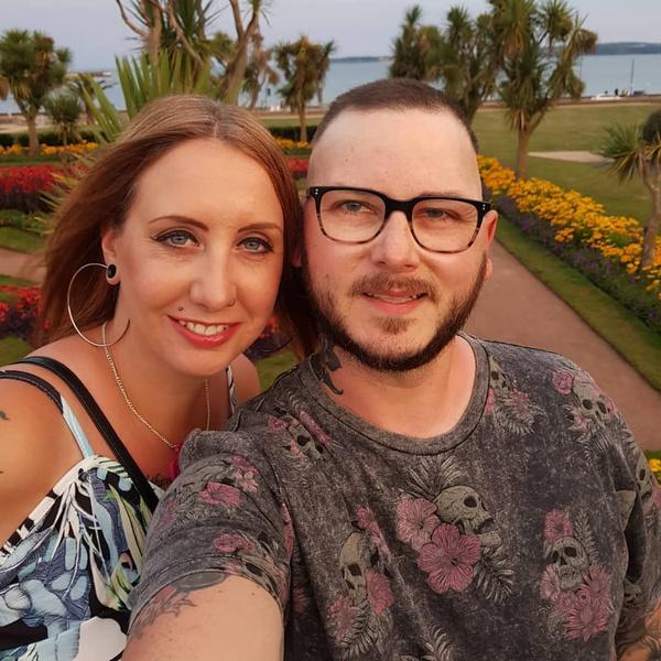 Фото №1 - Женщина решилась на ЭКО от умирающего мужаи сама заболела раком
