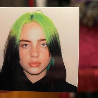 Фото №3 - Билли Айлиш назвала реальную причину смены цвета волос на блонд. Это душераздирающе! 😥