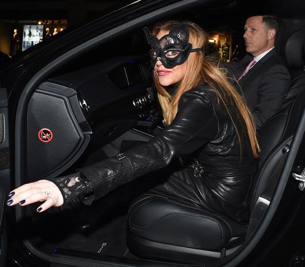 Линдсей Лохан выбрала развратный костюм для Хэллоуина ...  Линдсей Лохан