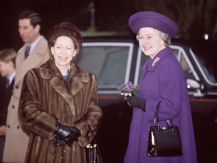 Фото №18 - Сестры и лучшие подруги: 20 самых трогательных и теплых фото Королевы и принцессы Маргарет