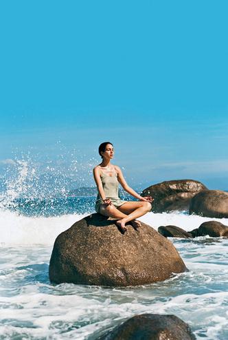 Воспользуйтесь возможностью помедитировать на берегу моря