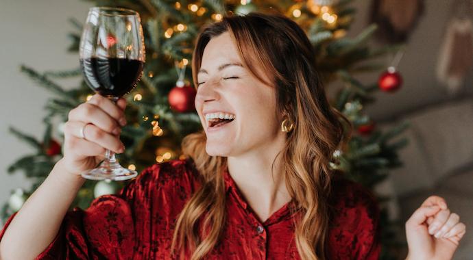 Один дома: почему стоит провести Новый год наедине с собой