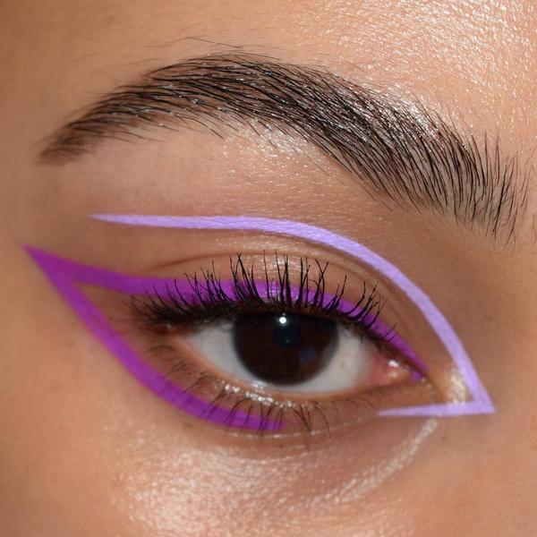 Фото №1 - Стрелки-лепестки— классная идея макияжа из Инстаграма
