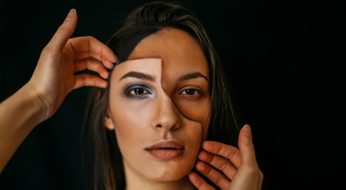 «Мать украла мою личность»: ложь длинною в жизнь