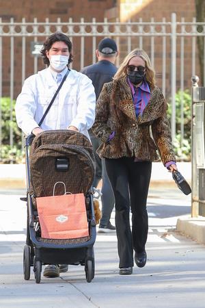 Фото №1 - Звездные родители и любимчики стритстайл-хроники: Хлоя Севиньи и Синиша Маркович напоминают, кто самая модная пара