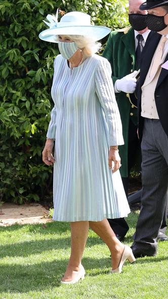 Фото №13 - От подруги принца до будущей королевы: эволюция стиля Камиллы Паркер-Боулз