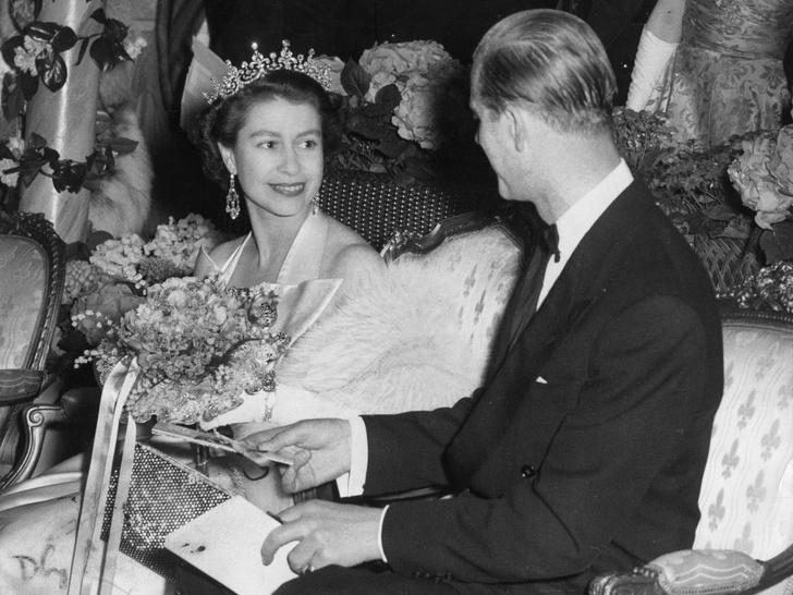 Фото №2 - Ее опора и любовь: самые трогательные цитаты Королевы о принце Филиппе