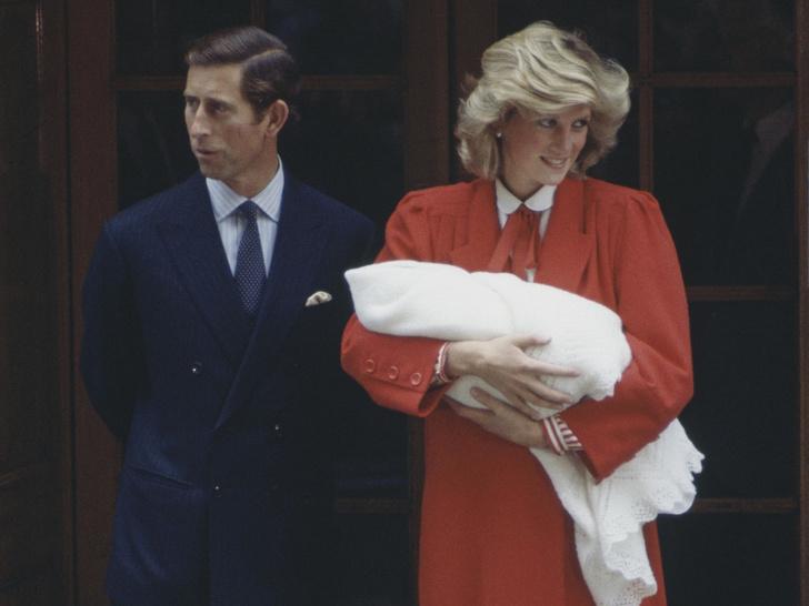 Фото №2 - Теща Его Высочества: как мать Дианы «поставила на место» Чарльза