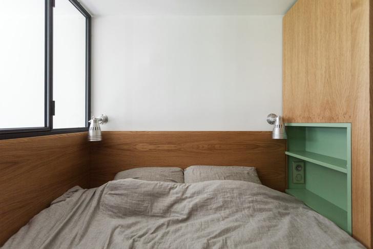 Фото №11 - Маленькая студия 30 м² со встроенной мебелью в Париже