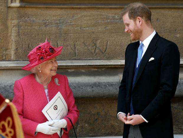 Фото №2 - Особые причины: почему Диана никогда не доверяла королеве-матери