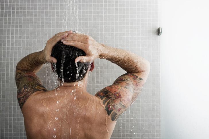 Фото №1 - Вредно ли мыться  при простуде?