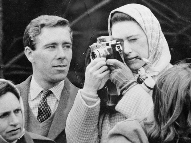 Фото №2 - Тайные встречи: как королева-мать помогала Маргарет скрывать скандальный роман (и чем все закончилось)